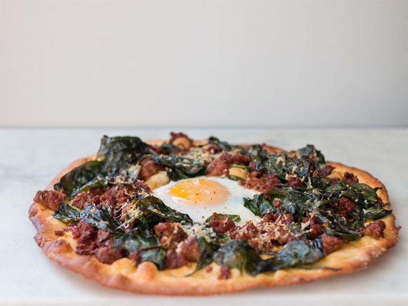 Pizza_Sausgae-and-egg